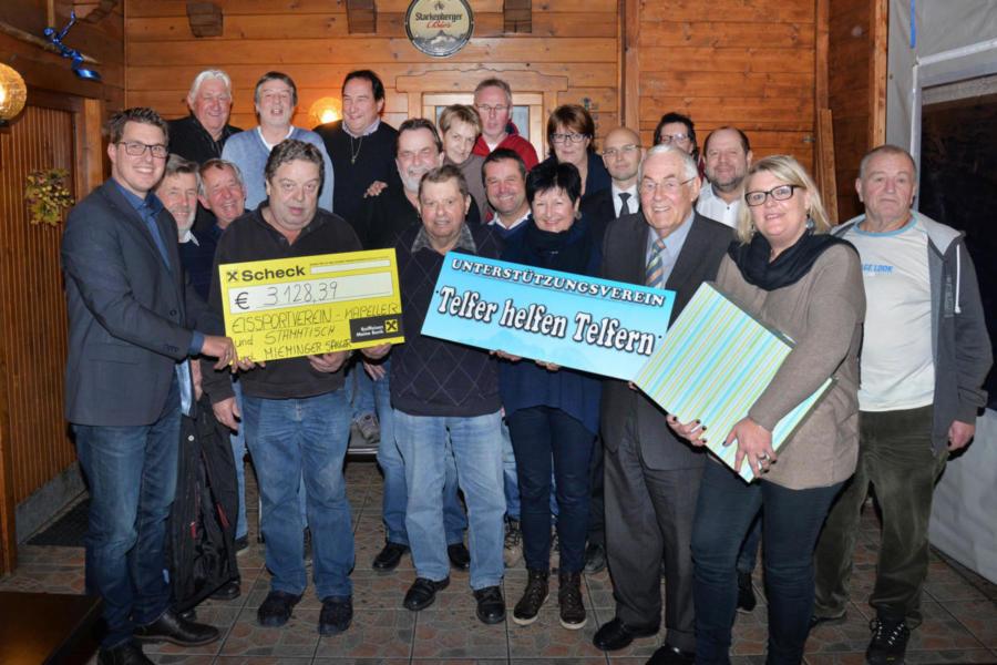 2015 | Spendenübergabe des Eissportvereins Kapeller